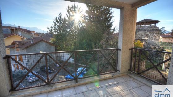 MOIRANS T2 avec terrasse au calme