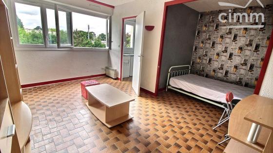 Nantes - Bd Jules Vernes - Studio meublé avec parking et cave