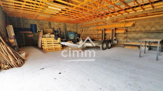 Entrepôt de 100 m2 avec garage et bureau à Ste Geneviève des Bois 45230