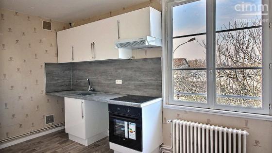 A louer, LE CREUSOT, appartement 3 pièces avec cuisine équipée, chauffage compris