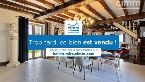 A vendre, propriété composée de 2 maisons indépendantes, rénovation de grande qualité, 365 m² habitable, 6 chambres, terrain clos 1300 m², secteur Langeais, Tours, Val de Loire.