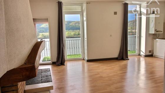 Bel appartement de 82m² doté d'un balcon avec 2 chambres en plein centre-ville de St Vallier