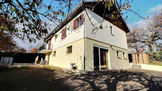 LE BREUIL, pavillon individuel de 164 m² habitables