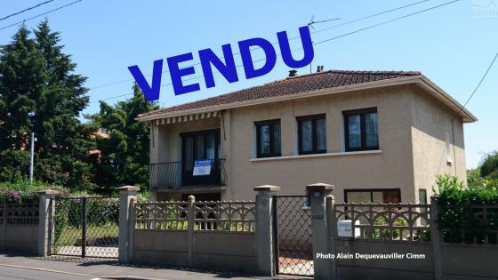 Villefranche/ Saône 69400 Maison Pavillon F4 128 m² utiles, surélevée sur garage dans quartier résidentiel.