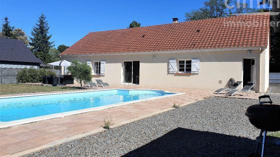 Belle maison de 2013, 159m² de plain-pied, avec piscine à vendre à Marmagne !