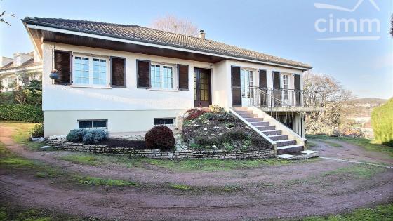 LE CREUSOT, limite MONTCENIS, pavillon individuel de 117,85 m² habitables sur sous-sol
