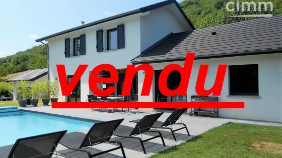 TULLINS (5 kms) - 38210 - Maison Contemporaine avec Piscine à Vendre !