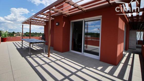 Montpellier, Marquerose, dernier étage, T4 de 105 m² avec terrasse de 73 m² et deux garages