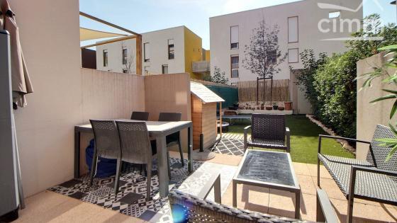 Montpellier, Les Grisettes, T3 en duplex de 74 m2 en rez de jardin avec place de parking en sous-sol
